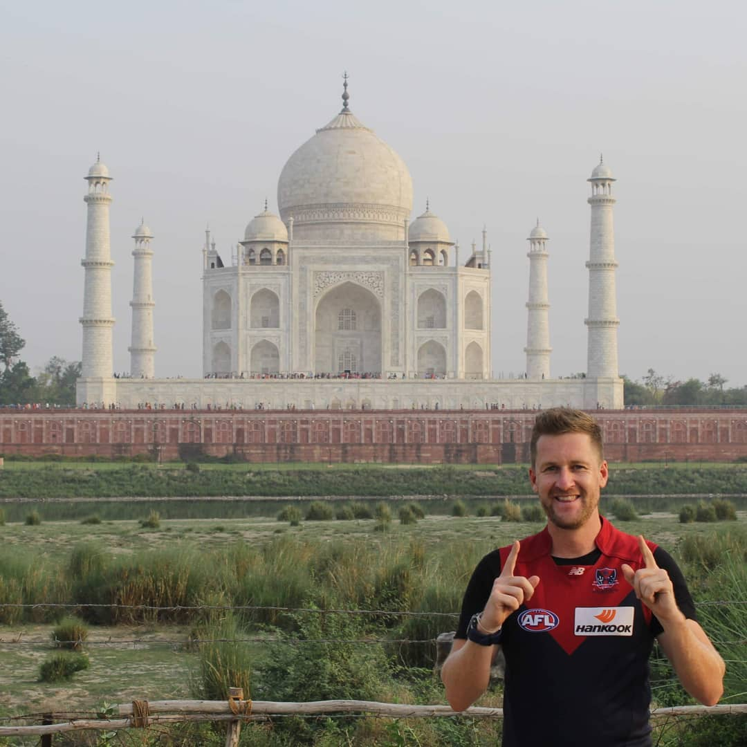 2 of my favourite things are Travelling and being a Melbourne Demons Nuffie!  Why not combine the 2! 🏉🏟 Locations Taj Mahal, India 🇮🇳 Eiffel Tower, Paris, France 🇫🇷 San Franscisco, USA 🇺🇸 Statue of Liberty, New York, USA  Tallinn, Estonia 🇪🇪 Sigiriya, Sri Lanka 🇱🇰 Gili Islands, Indonesia 🇮🇩 Croke Park, Dublin, Ireland 🇮🇪 Wimbledon, London, England 🇬🇧 Uluru, Australia 🇦🇺 #aflguernseysaroundtheworld #afljumpersaroundtheworld  #GoDees #afl #myheartbeatstrue #melbournedemons #nuffie #bulkdoublepointers #isolationactivities @afl @melbournefc