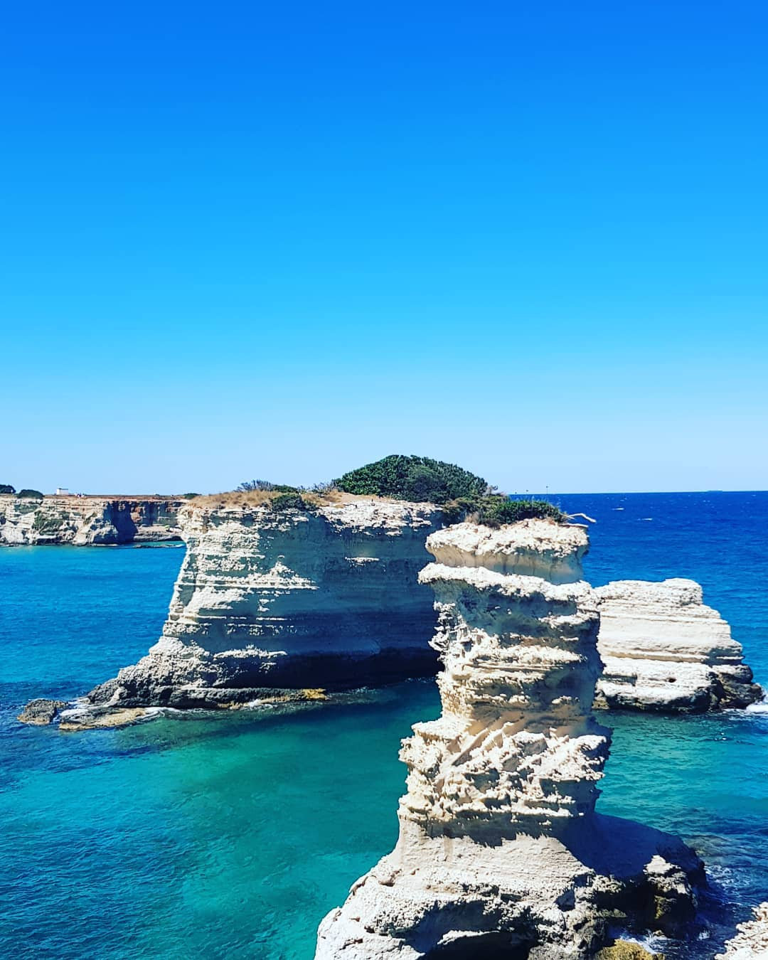 South of Lecce🇮🇹 you have the opportunity to marvel at beautiful rock⛰ formations in the Adriatic Sea🏝#Lecce #Adraticsea #beautiful #italy #italien #apulien